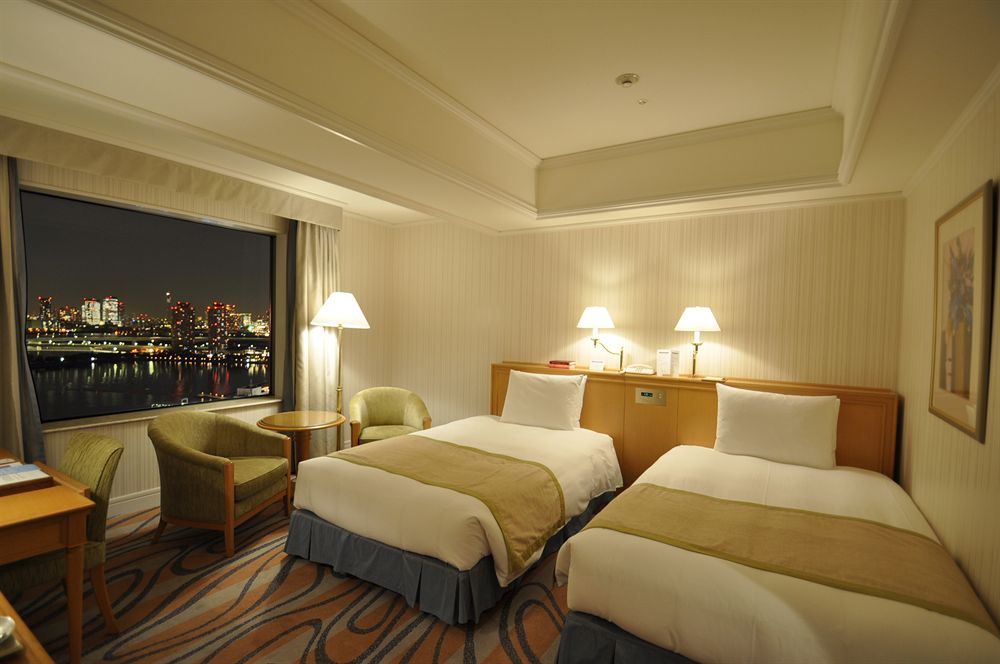 Travel safety tips: How to stay safe in a hotel