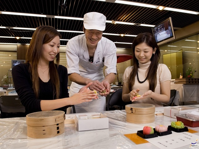 Japan Travel Brings New Dining Experiences to You