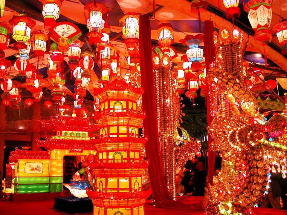 You must feel and enjoy a wonderful atmosphere of celebration and Chinese culture!!