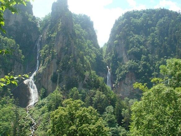 Hokkaido Sounkyo   The River With Many Waterfalls