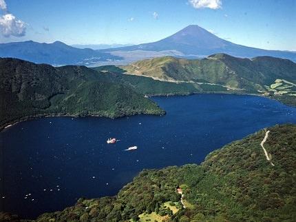 Hakone Lake Ashi | Tranquilizing Boat Cruise