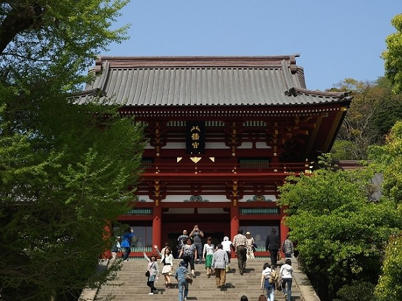 Kamakura's Most Popular Spot for <em>Hatsumode</em>