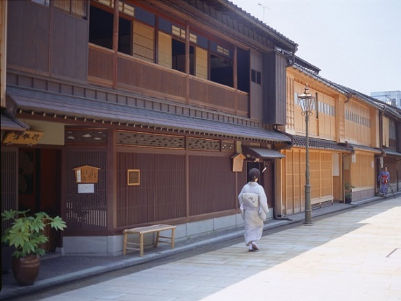 Kanazawa | The Sound of Shamisen Fills the Air