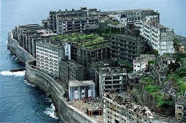 Gunkanjima-Battleship Island