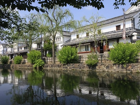 The beautiful Street of Preserved Storehouses & Merchant Homes | Okayama
