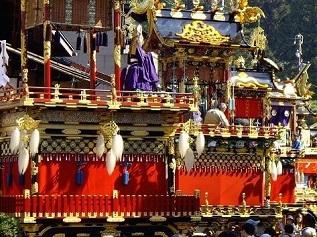 Photo of the decorated Takayama festival floats