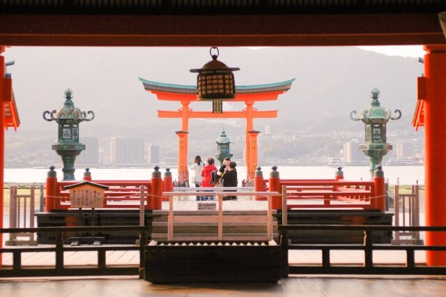Travel Japan: Manners at Shrines and Temples