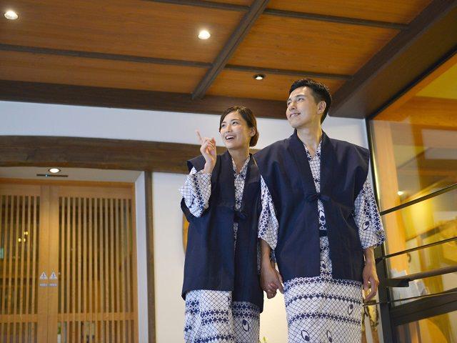Informal, unlined kimono made of cotton