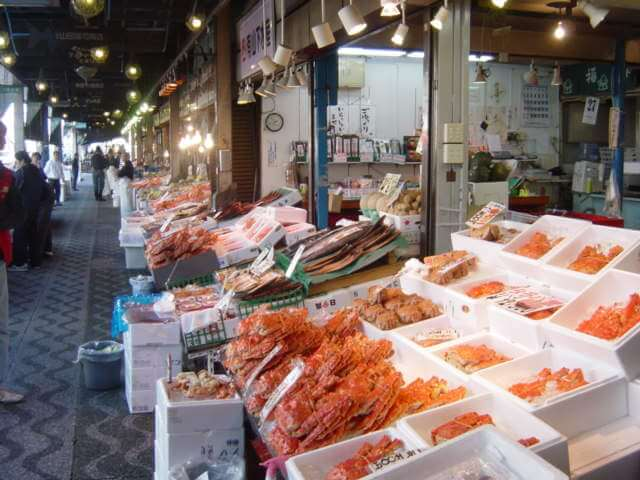 Fresh Seafood lines the Stalls