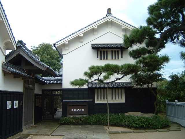 Shimane Museum in Historic Storehouse Buildings